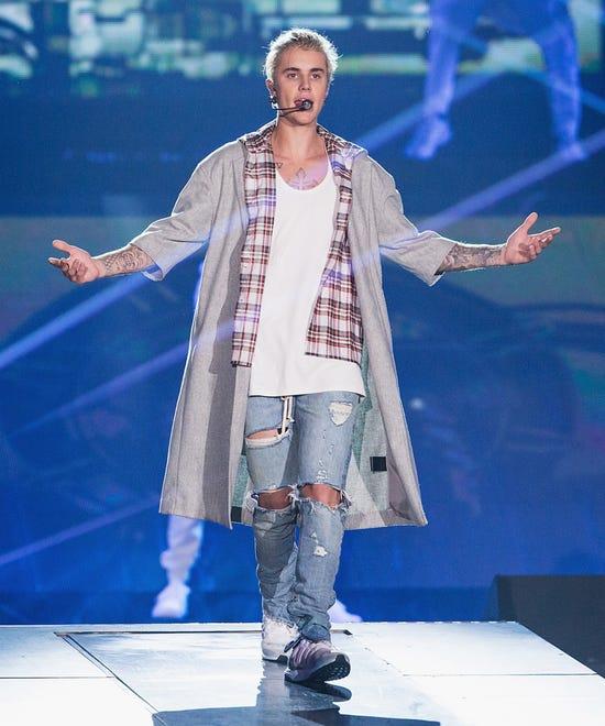 Justin Bieber Birmingham Fans Obnoxious