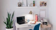 VPoster_Desk