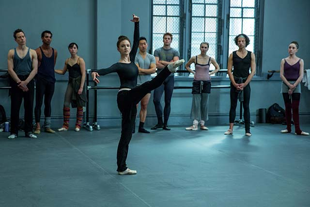 Real Ballet Dancers Fact-Check Flesh & Bone