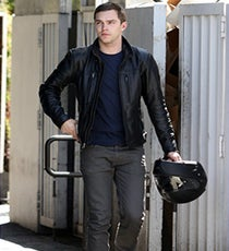 nicholas-hoult-xmen-day-of-future-past-beast-first-look-03