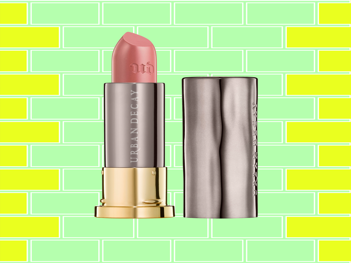 The Ultra-Flattering Makeup Trend Topping Beauty Sales