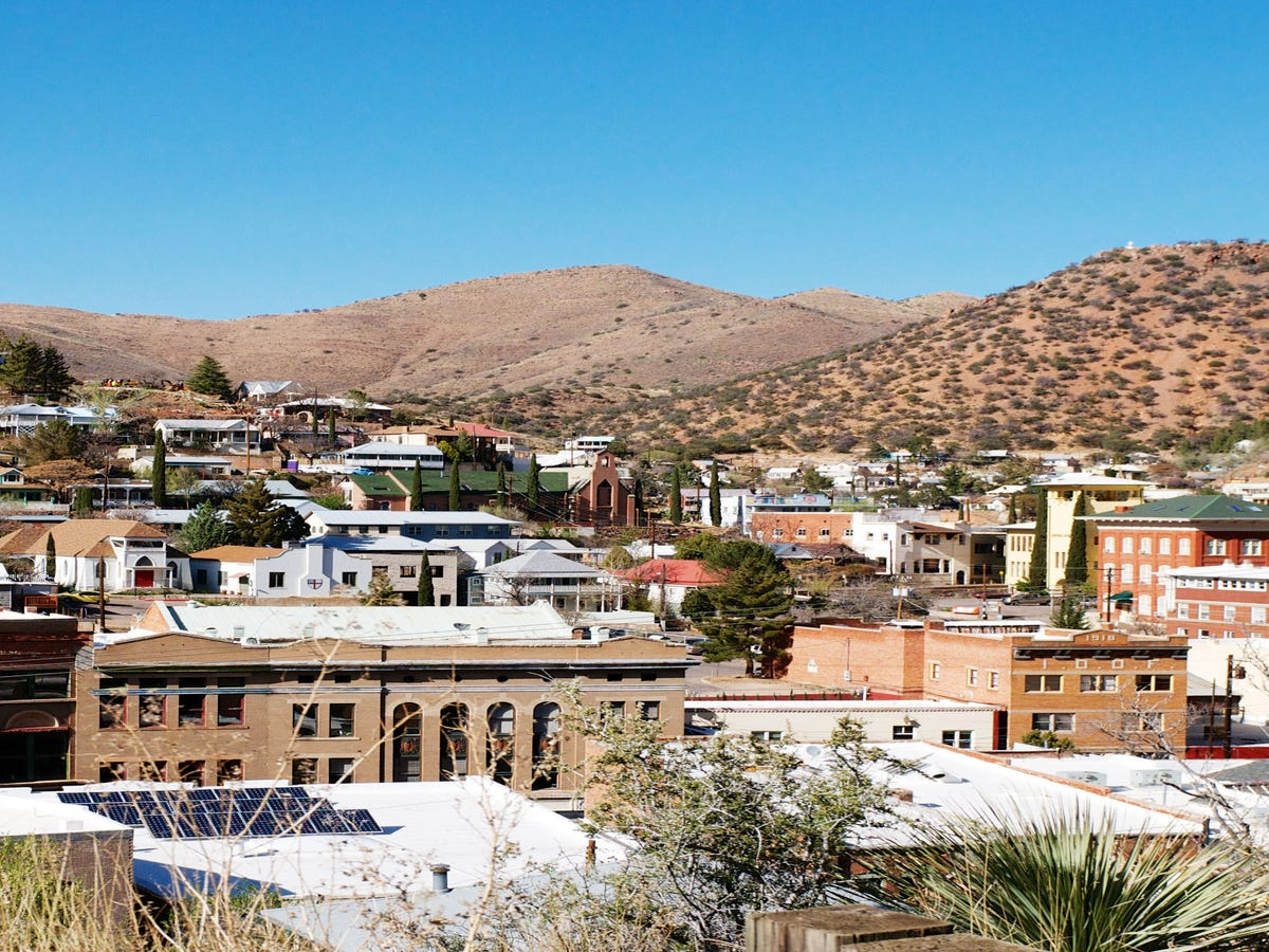 15 Awesome Small Towns For Your Next Getaway
