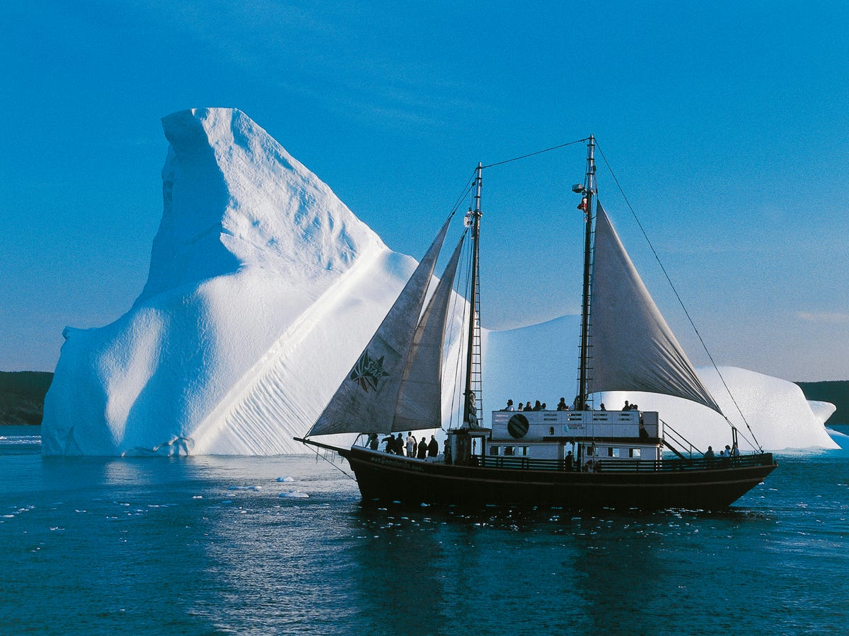 People Are Vacationing To This Epic Canadian Iceberg