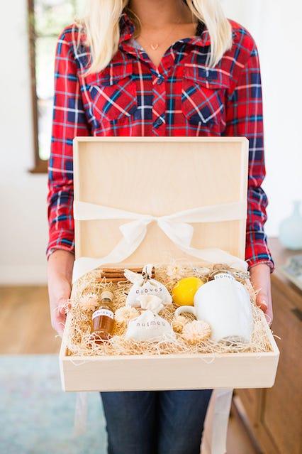 Easy Hot Toddy DIY HackLast Minute Gifts