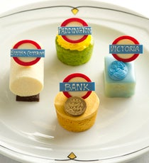 The-Park-Lane-Hotel-London-Underground-Afternoon-Tea-Cakes280 335