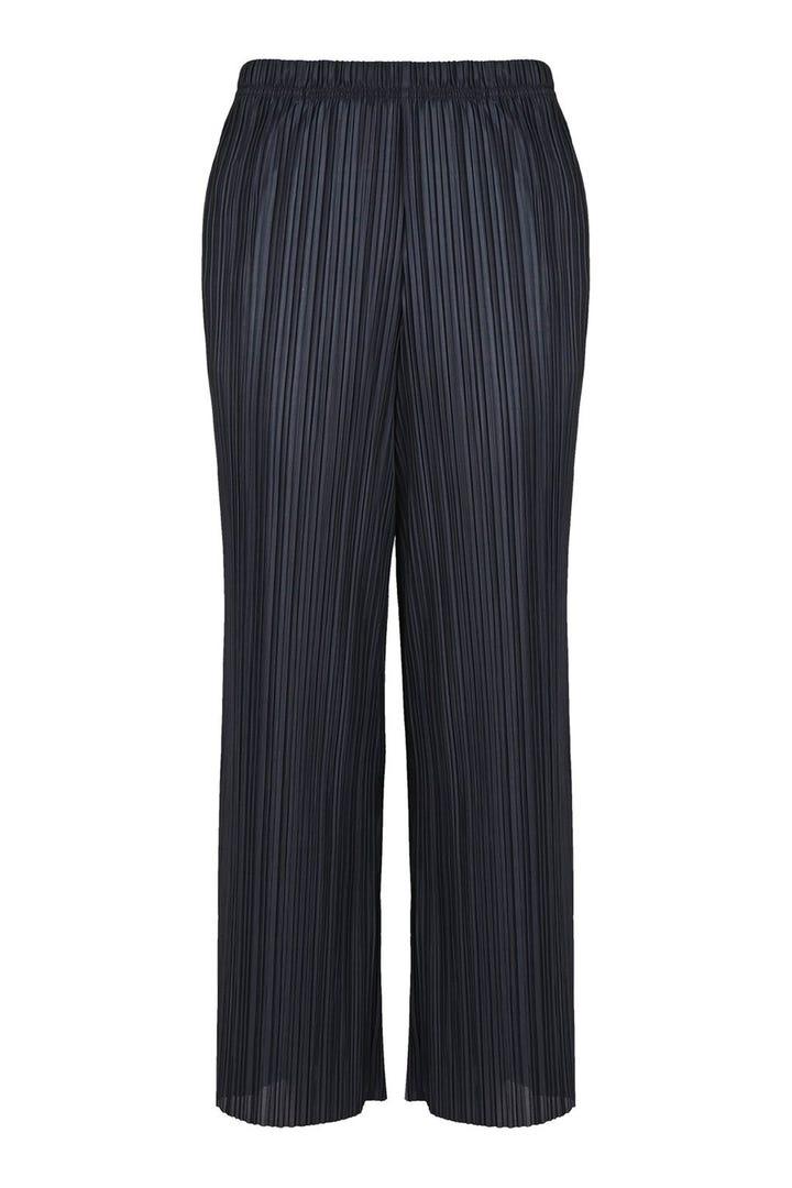 Best Pants For Short Legs Petite Curvy Girls