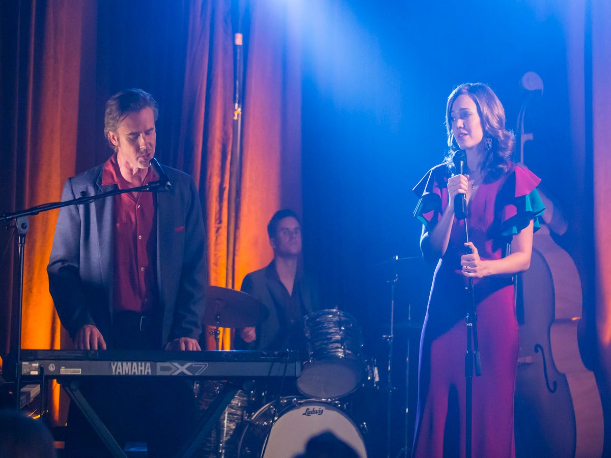 Jack & Rebecca's Song On This Is Us Could Be One Mandy Moore Recorded Years Ago