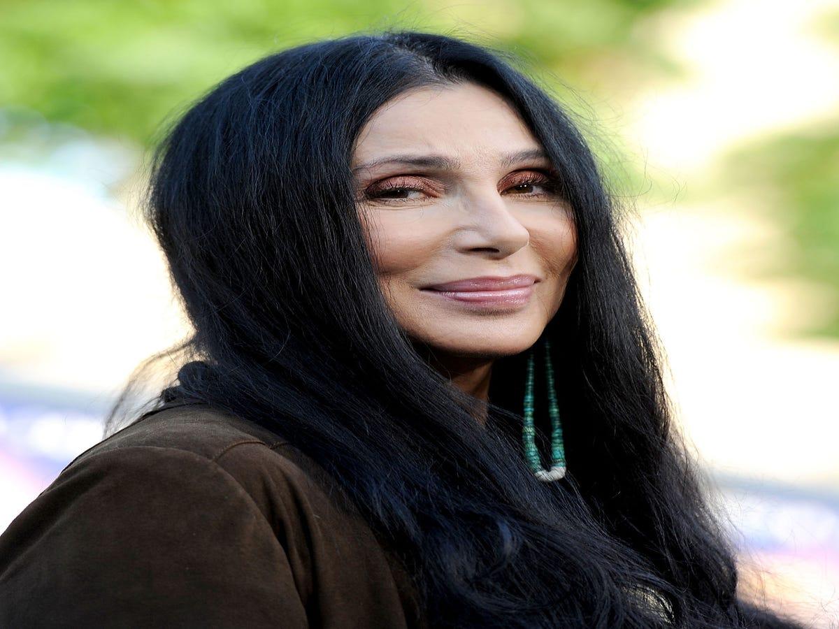 Cher Endorses Hillary Clinton