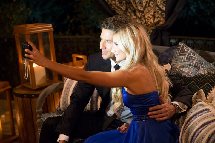 'Bachelor' premiere sneak peak: Chelsea steals 'extra' time with Arie Luyendyk Jr