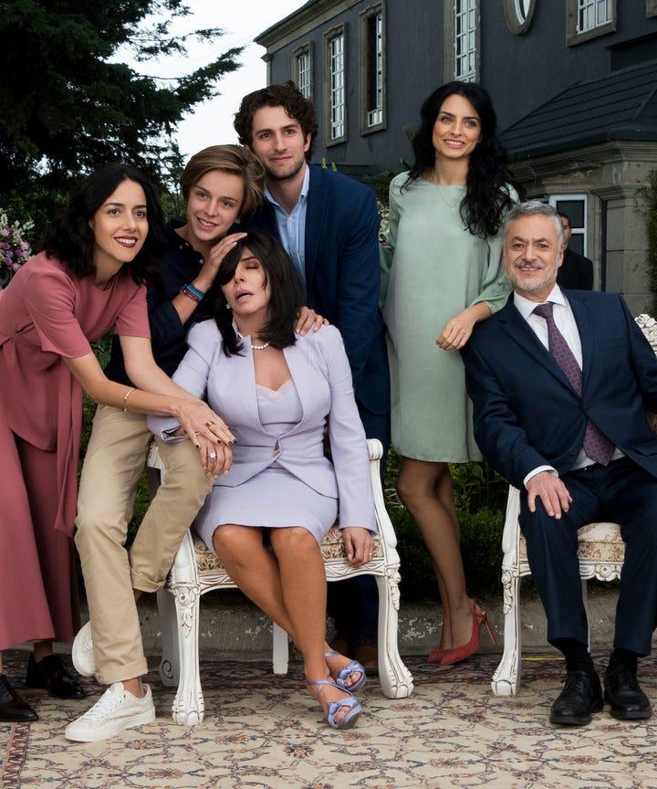 9 Spanish Language Series Everyone Will Be Bingeing On Netflix