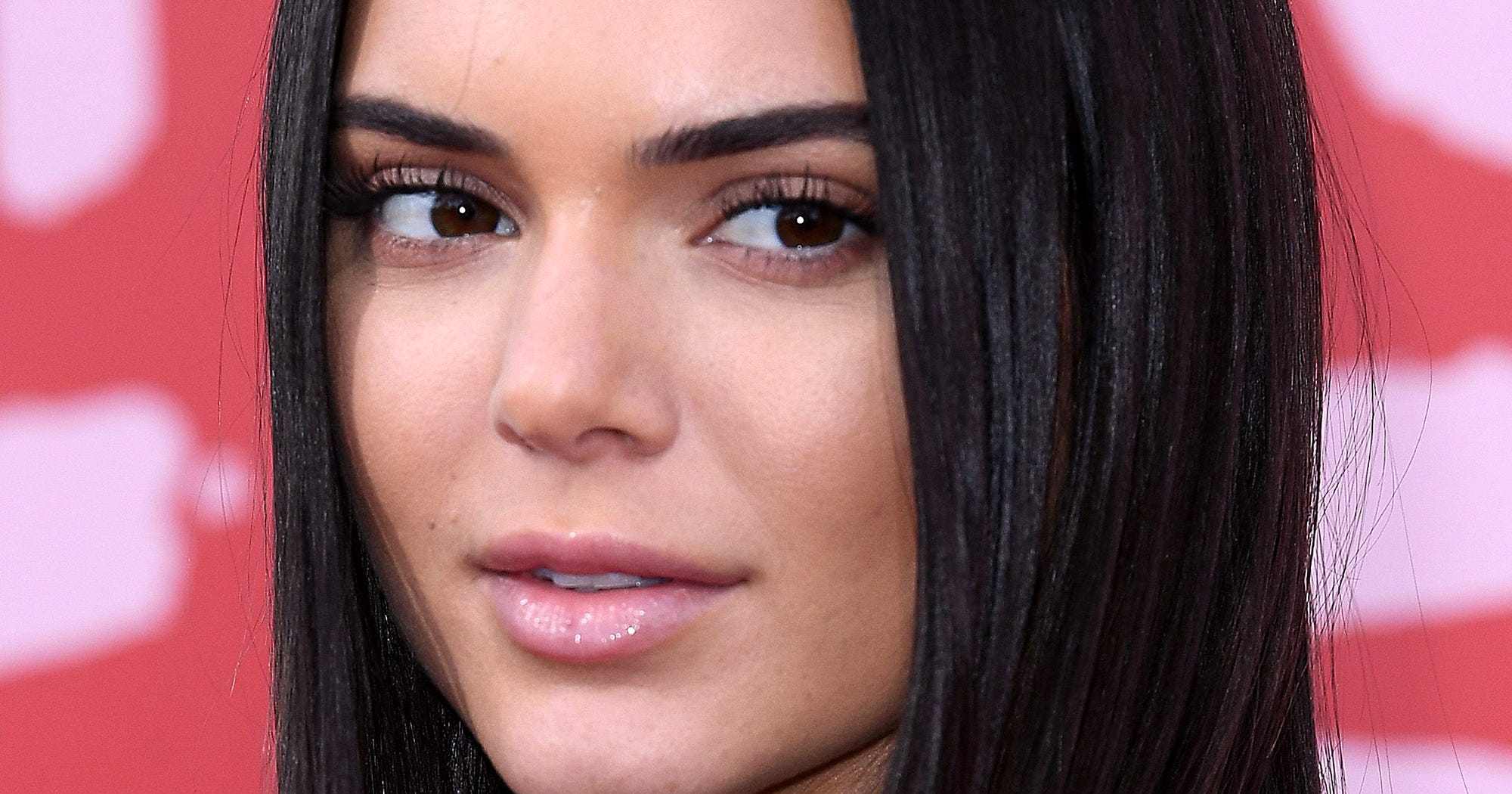 Kendall Jenner Was Pranked By Her Sisters & Honestly It Was So Gross