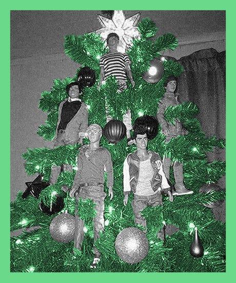 _Saddest_Christmas_Trees_opener_Anna_Sudit