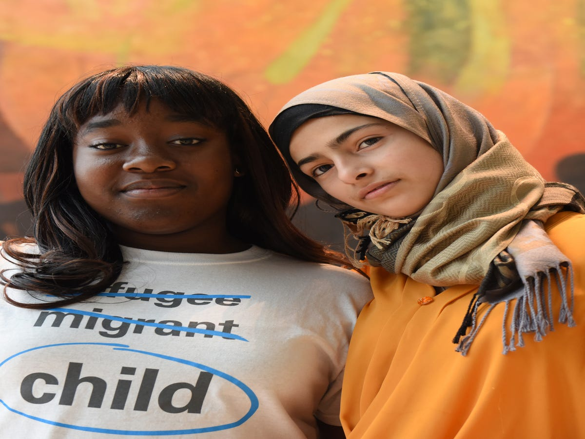 These Inspiring Teenage Besties Are The New Face Of The Refugee Crisis