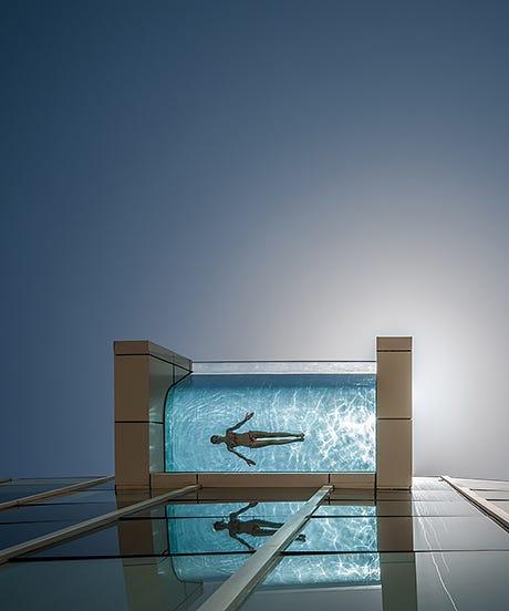 IC Dubai Infinity pool_opener
