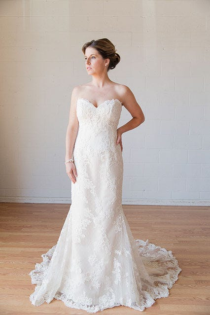 Casablanca Lace Gown Size 2 1500 Available At Borrowing Magnolia