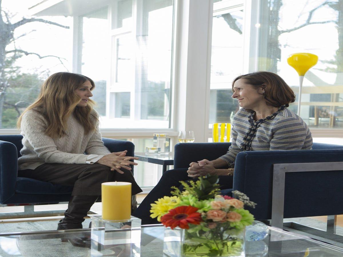 Divorce Episode 1 Recap: Life Savers