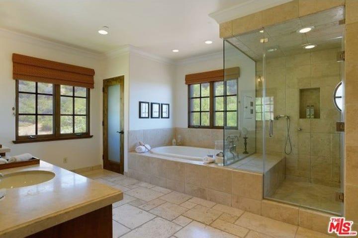 lauren conrad bathroom. Photo  Courtesy Trulia com Lauren Conrad LA For Home Sale Pacific Palisades House