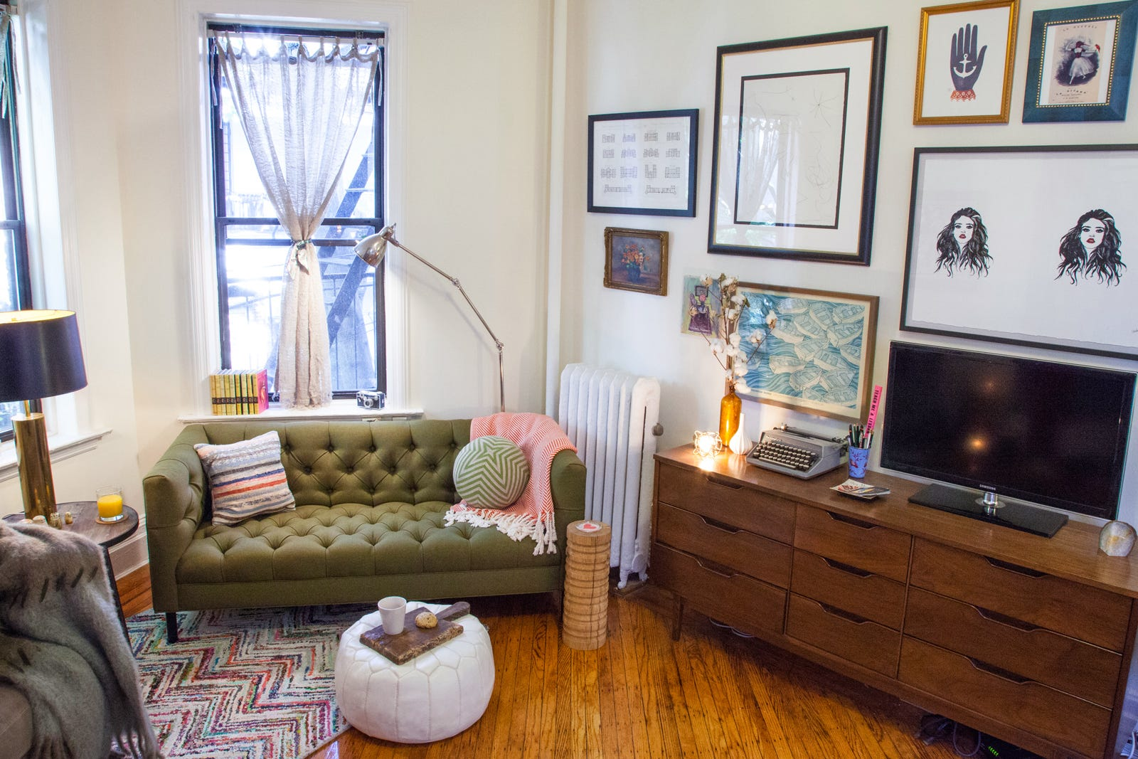 Small Apartment Living - Home Decor for Tiny Spaces