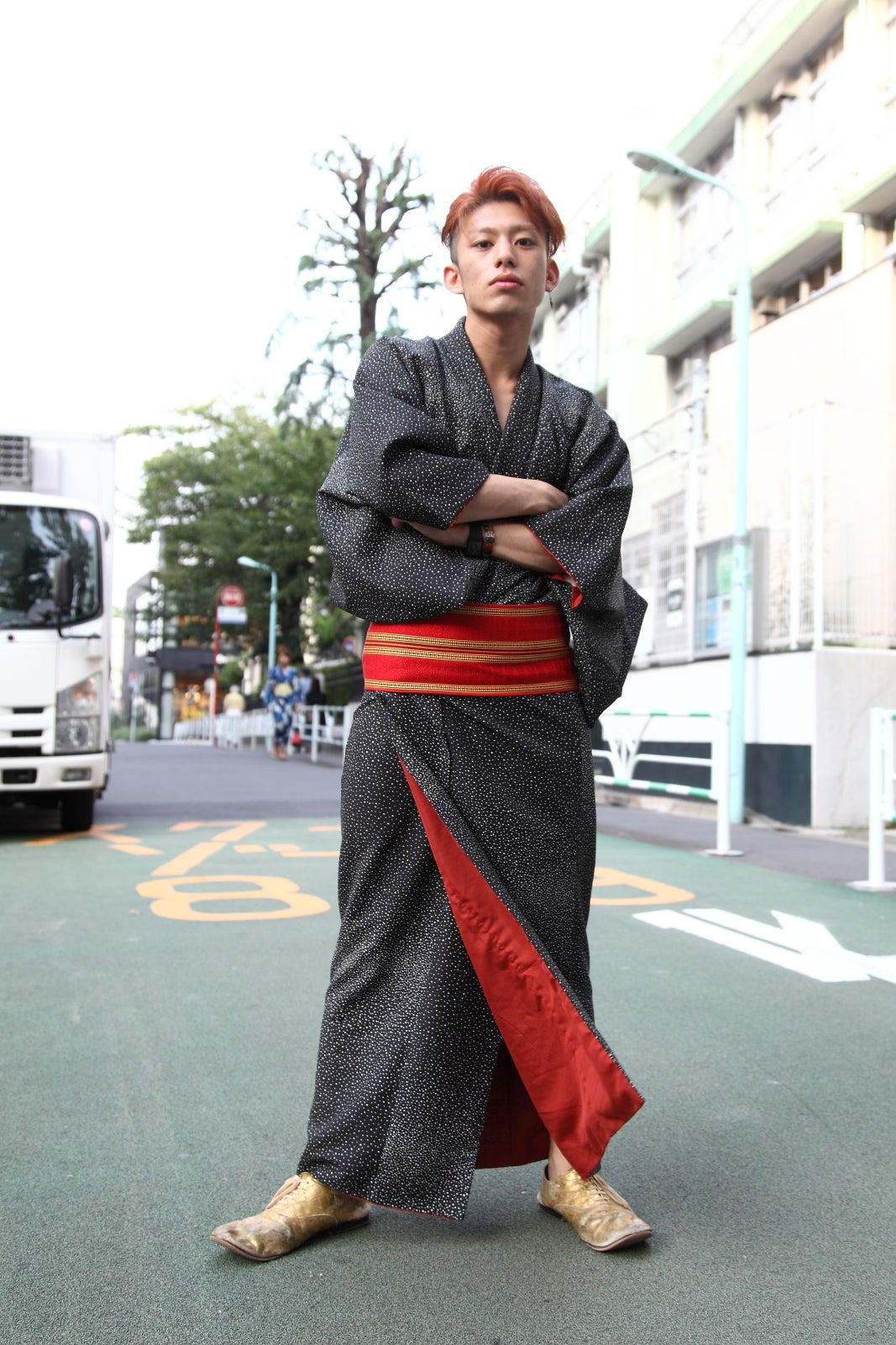 traditional ese clothing tokyo street style being a shop assistant be yuto s day job but this pose suggests he s got some real modeling chops