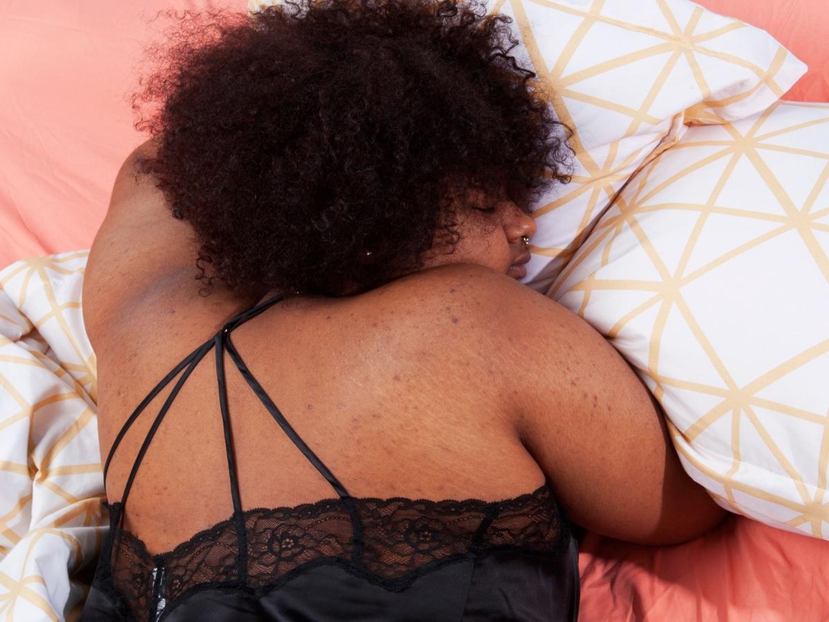 Warum du beim Einschlafen immer plötzlich aufs Klo musst