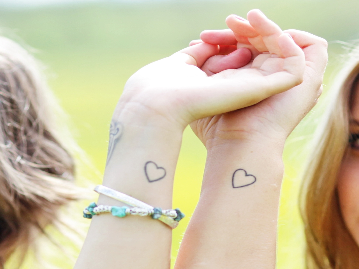 Für beste Freundinnen: Tattoo-Ideen mit persönlicher Bedeutung