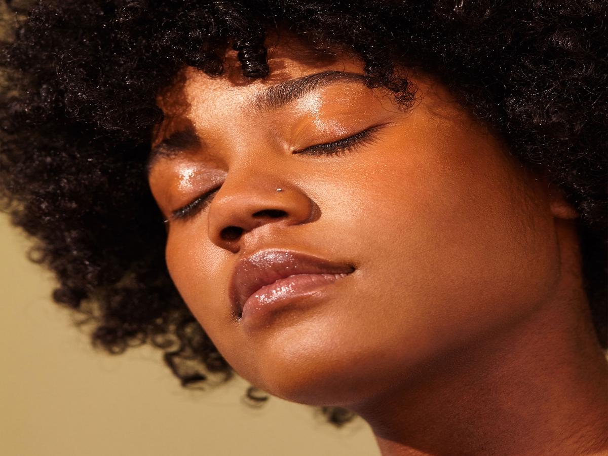 Lassen Kollagen-Nahrungsergänzungsmittel die Haut wirklich jünger & strahlender aussehen?