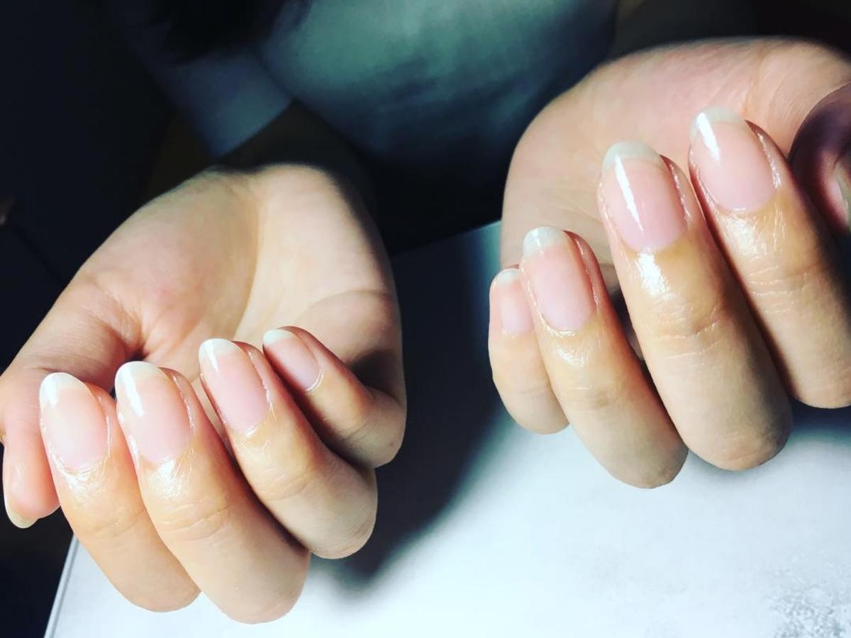 Hot-Oil-Maniküre: Der natürliche Weg zu gesunden & glänzenden Nägeln