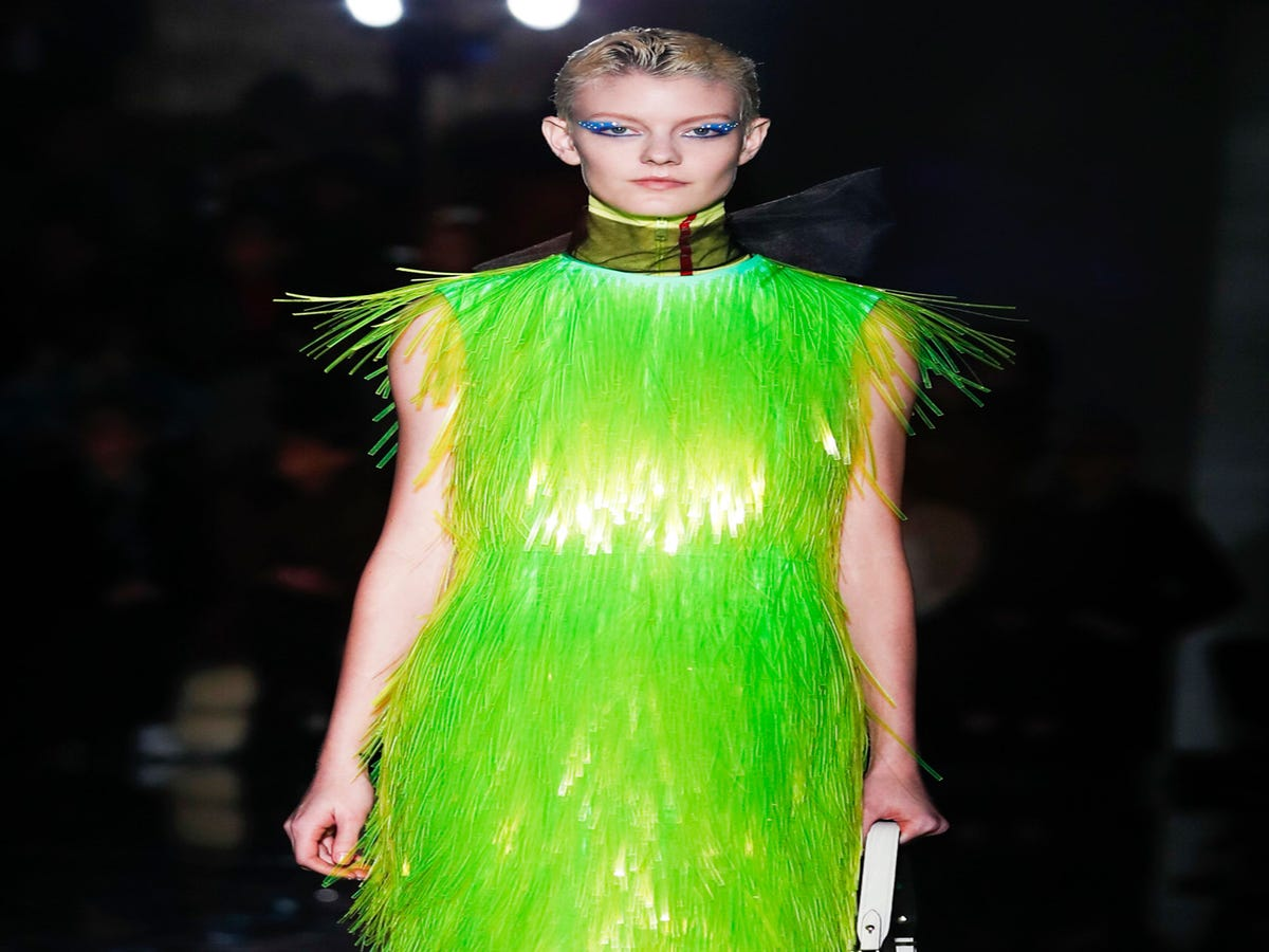 Put on a fashion show 43
