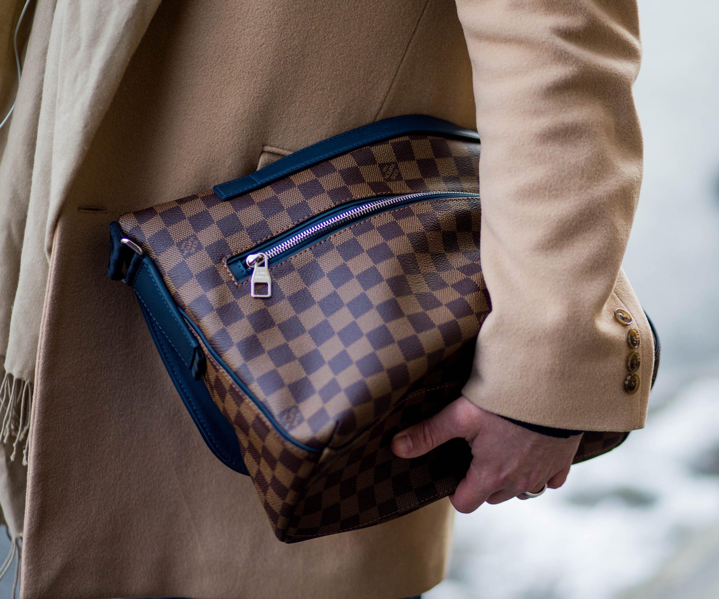 louis vuitton logo handbag trend street style accessory