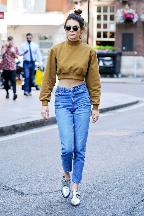 Kendall Jenner Mom Jeans Outfit High Waisted Denim