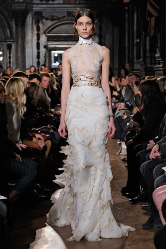 Met gala pictures celebrity dresses for the met ball for Giles deacon wedding dresses