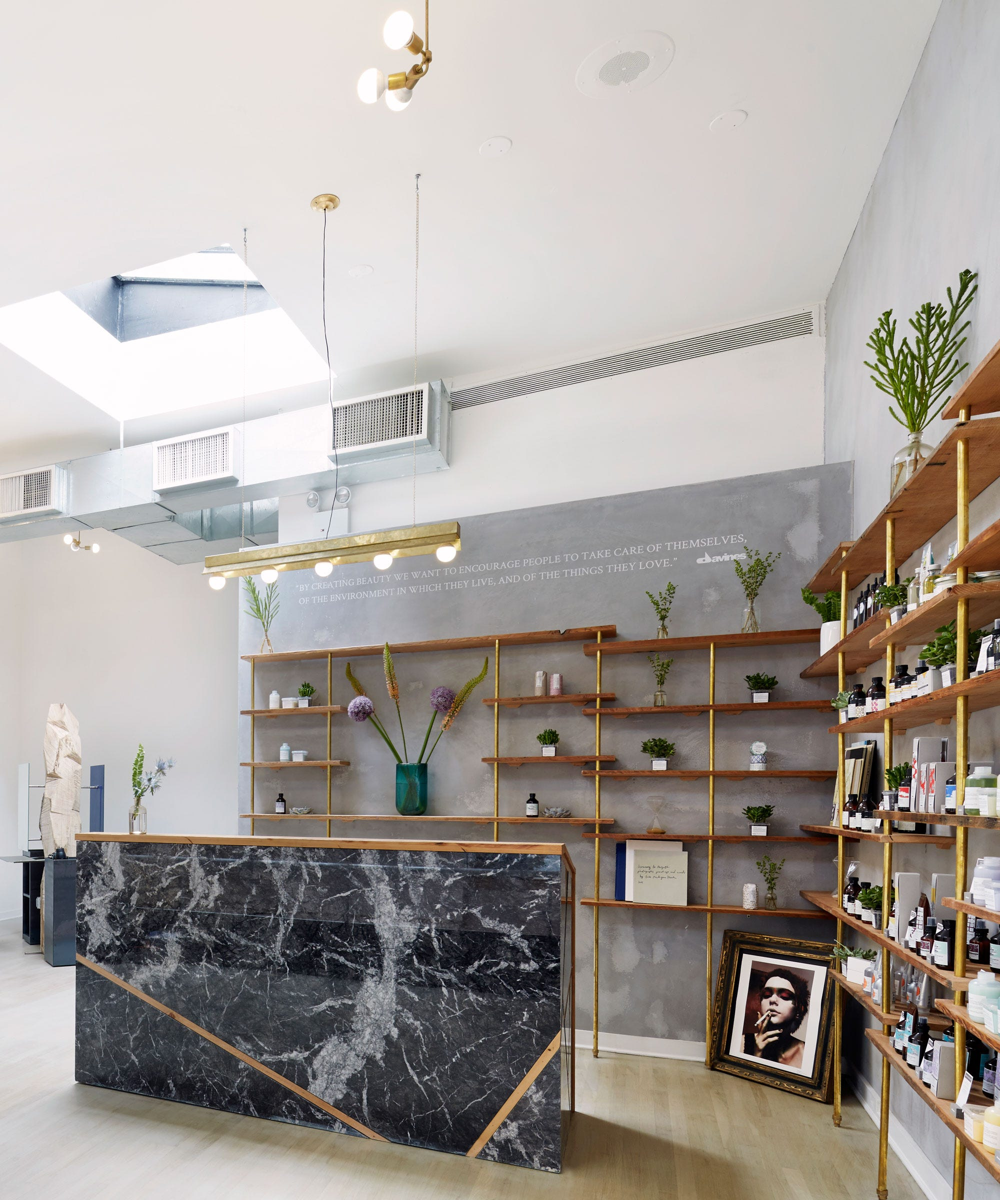 Hair salons nyc new york best hairdressers for Interior stylist
