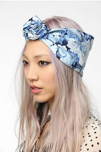 Cult-Gaia-Porcelain-Rose-Headwrap-urban-outfitters-60