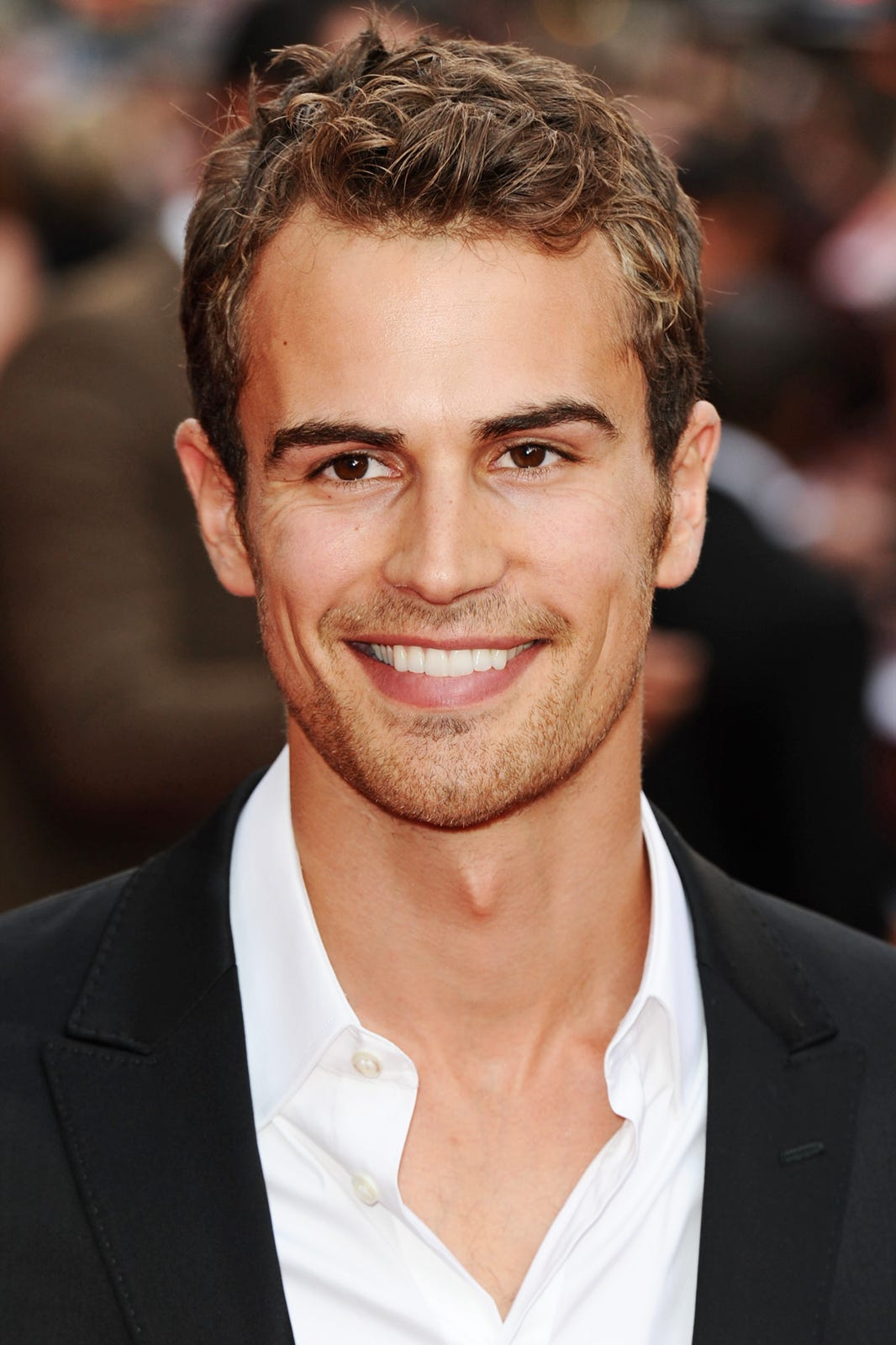 Theo James Divergent Movie Young Celebrities