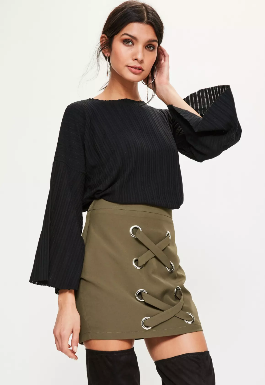 From petite dresses to petite colored jeans and everything in between we have all the petite women's clothing your closet has been asking for. You'll find petite clothes in the perfect silhouette for any figure whether it's a pair of petite skinny jeans or a petite fit-and-flare dress.