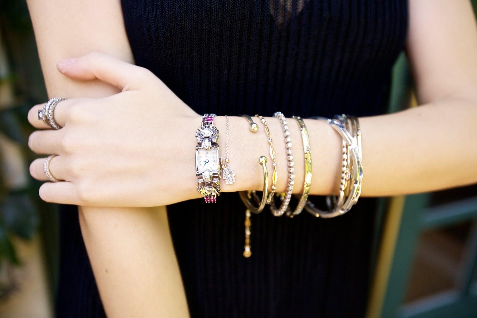 bracelet on wrist - photo #26