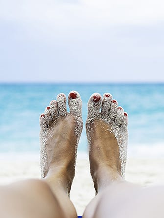 beach-feet-embed