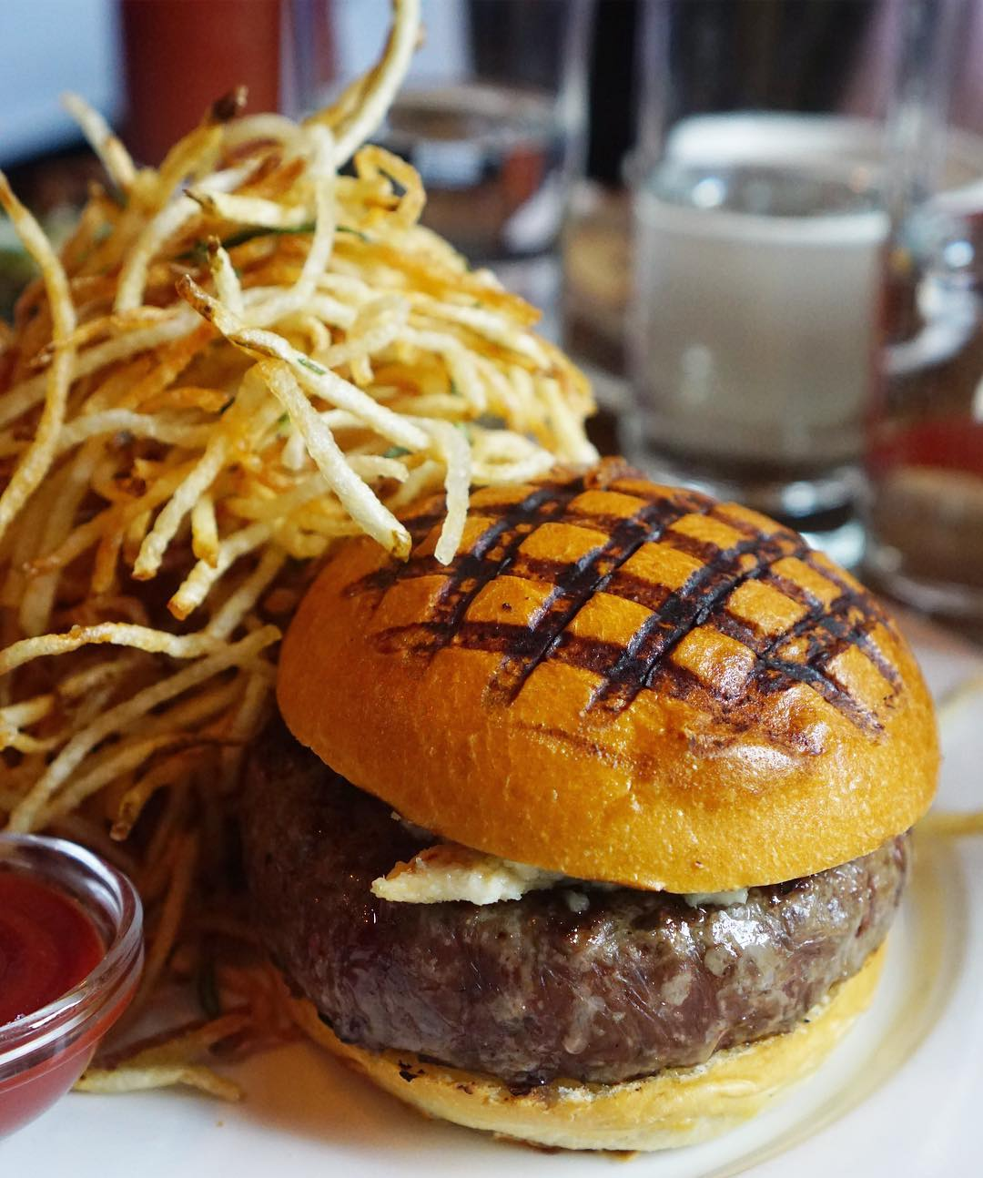 Kaitlin Menza Best Burgers Nyc Burger Joints New York City