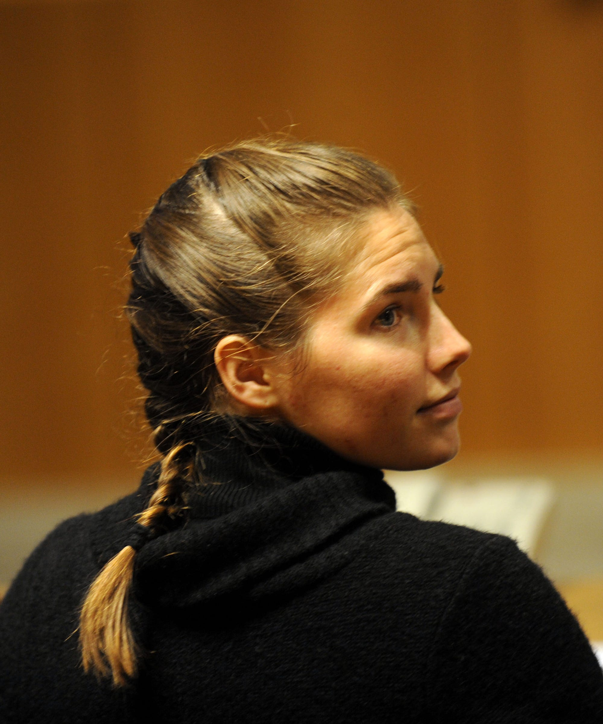 amanda knox trial Amanda knox immediately became a person of interest to investigators, mostly, as they would testify later, because they thought her behavior was out of the ordinary amanda was the first flatmate that the police encountered when they arrived on the scene, and she became their first suspect.