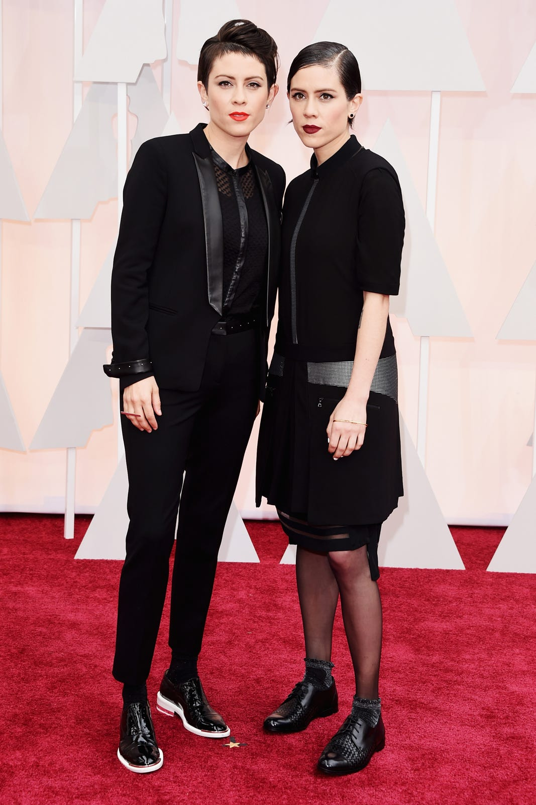 Tegan And Sara Tuxedo Oscars 2015 Red Carpet