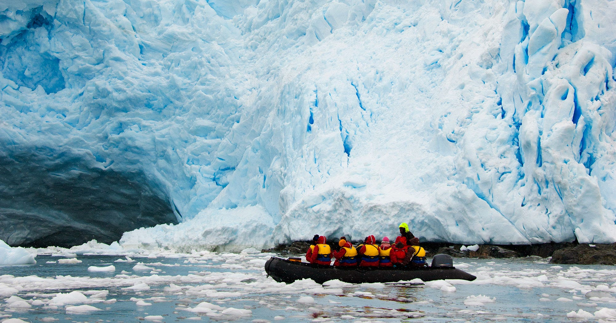 Antarctica travel white desert luxury tours penguins for Can anyone visit antarctica