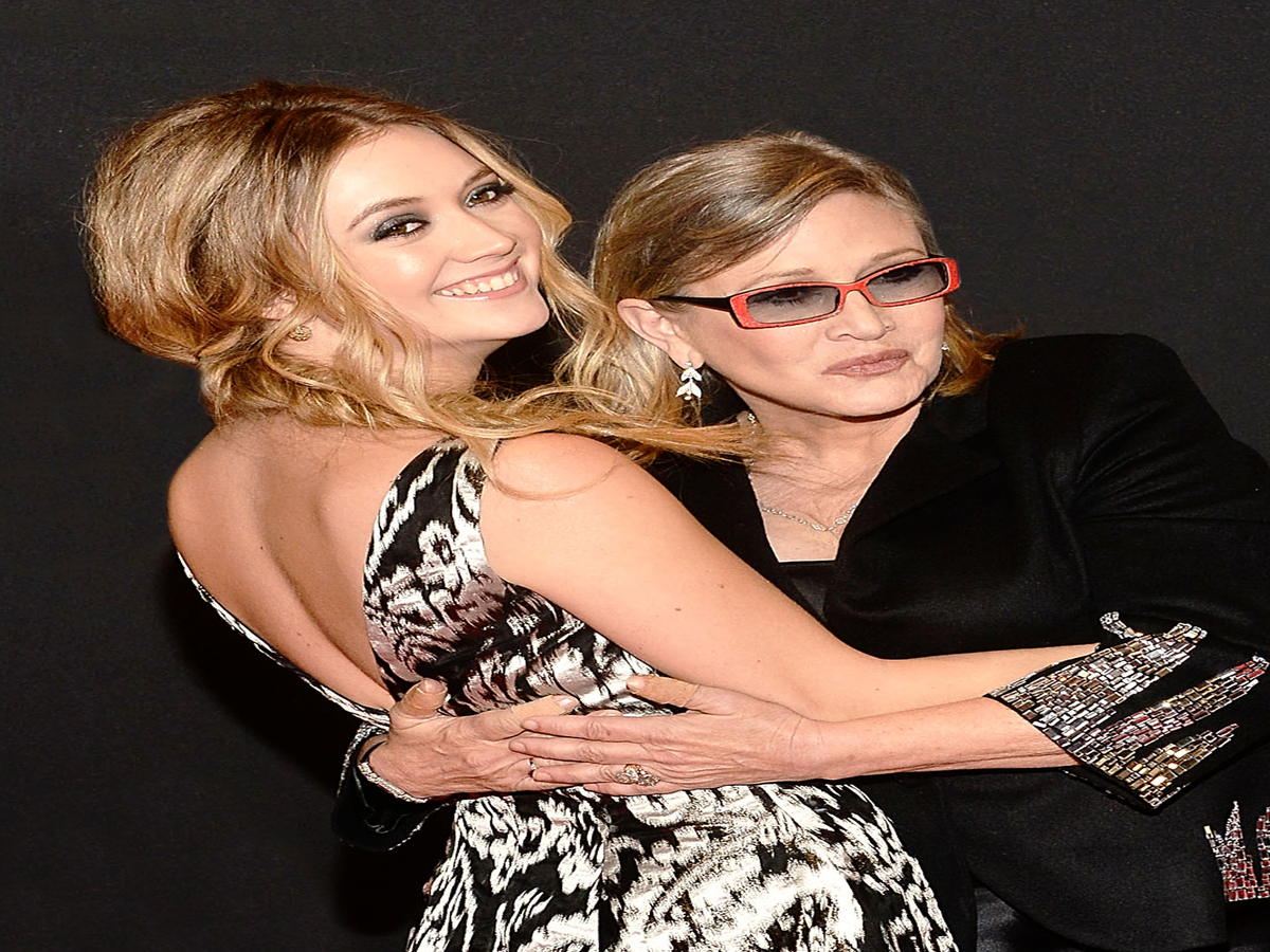 Billie Lourd Accepted An Award For Her Mom Carrie Fisher In The Most Moving Way