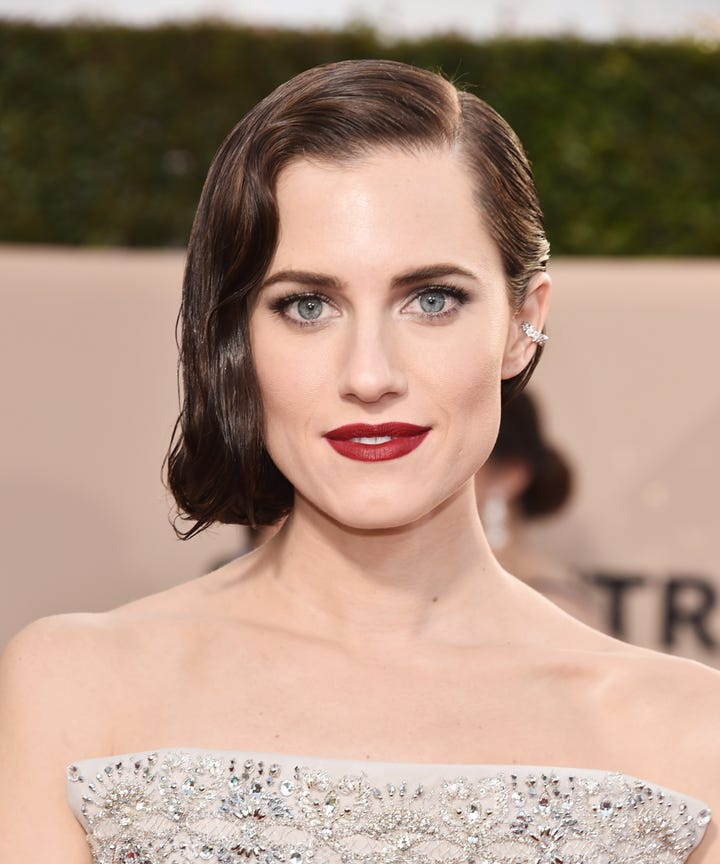 Allison Williams Natural Hair Brunette Roots Instagram