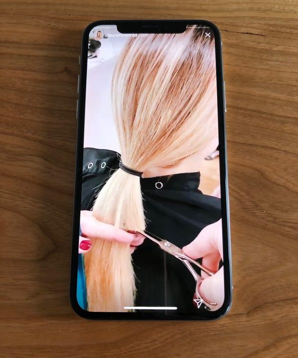 9d1d570120e6 https   www.refinery29.uk 70s-hairstyles 2017-10-31T19 30 00-04 00 ...