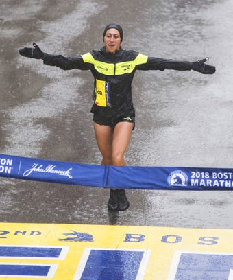 desi linden boston marathon winner