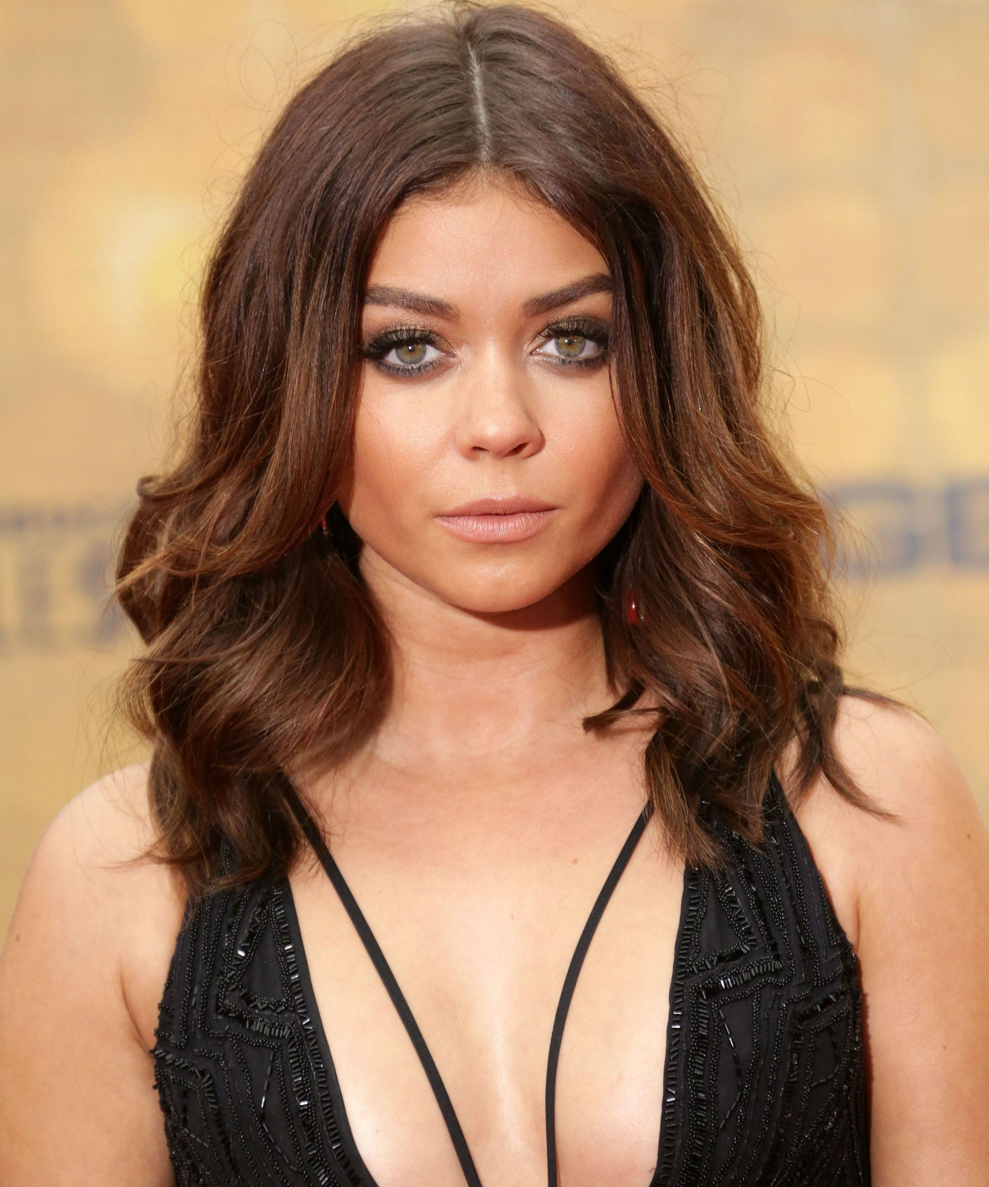 Sarah Hyland Hair Color Reveal