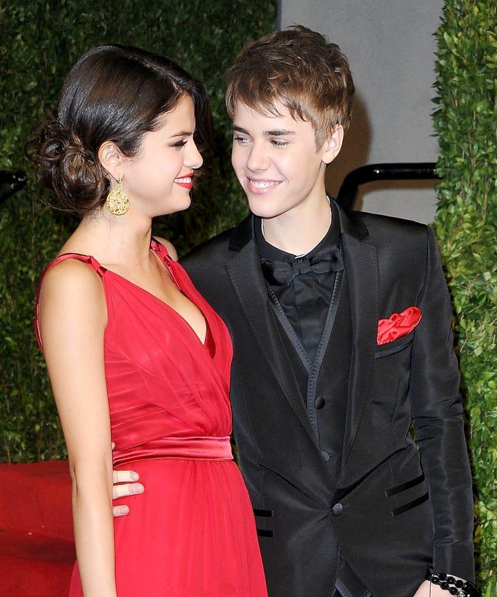 Selena gomez dating rapper