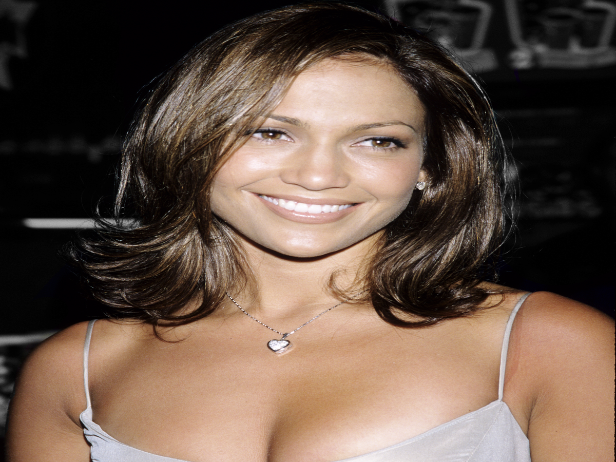 See How Much Jennifer Lopez s Beauty Look Has Changed Over The Years