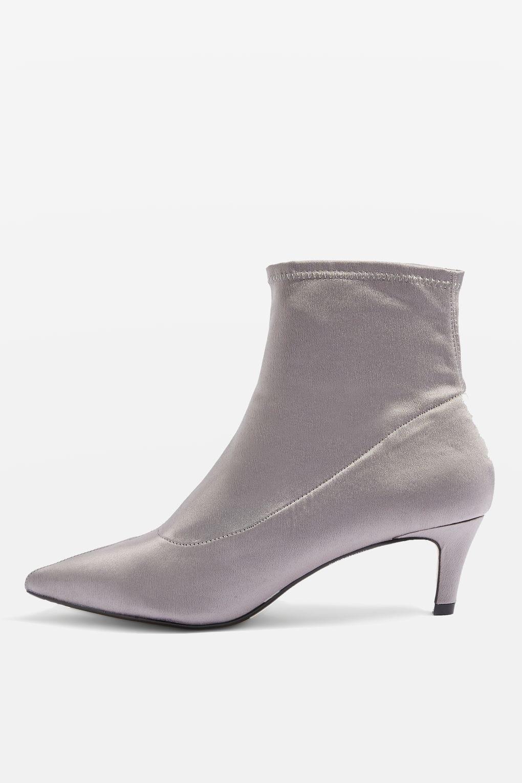 16cbedee7178 Kitten Heel Boots Trend Fall 2017 - Zara Topshop Tibi