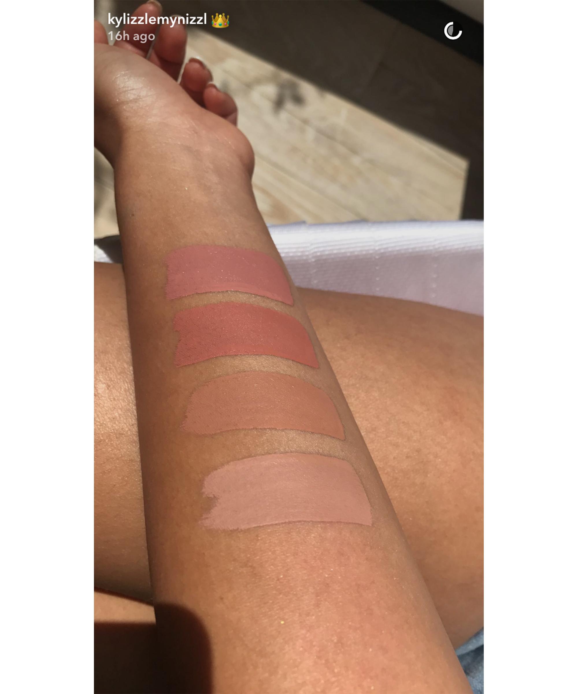 The Wet Set Pressed Illuminating Powder by Kylie Cosmetics #16